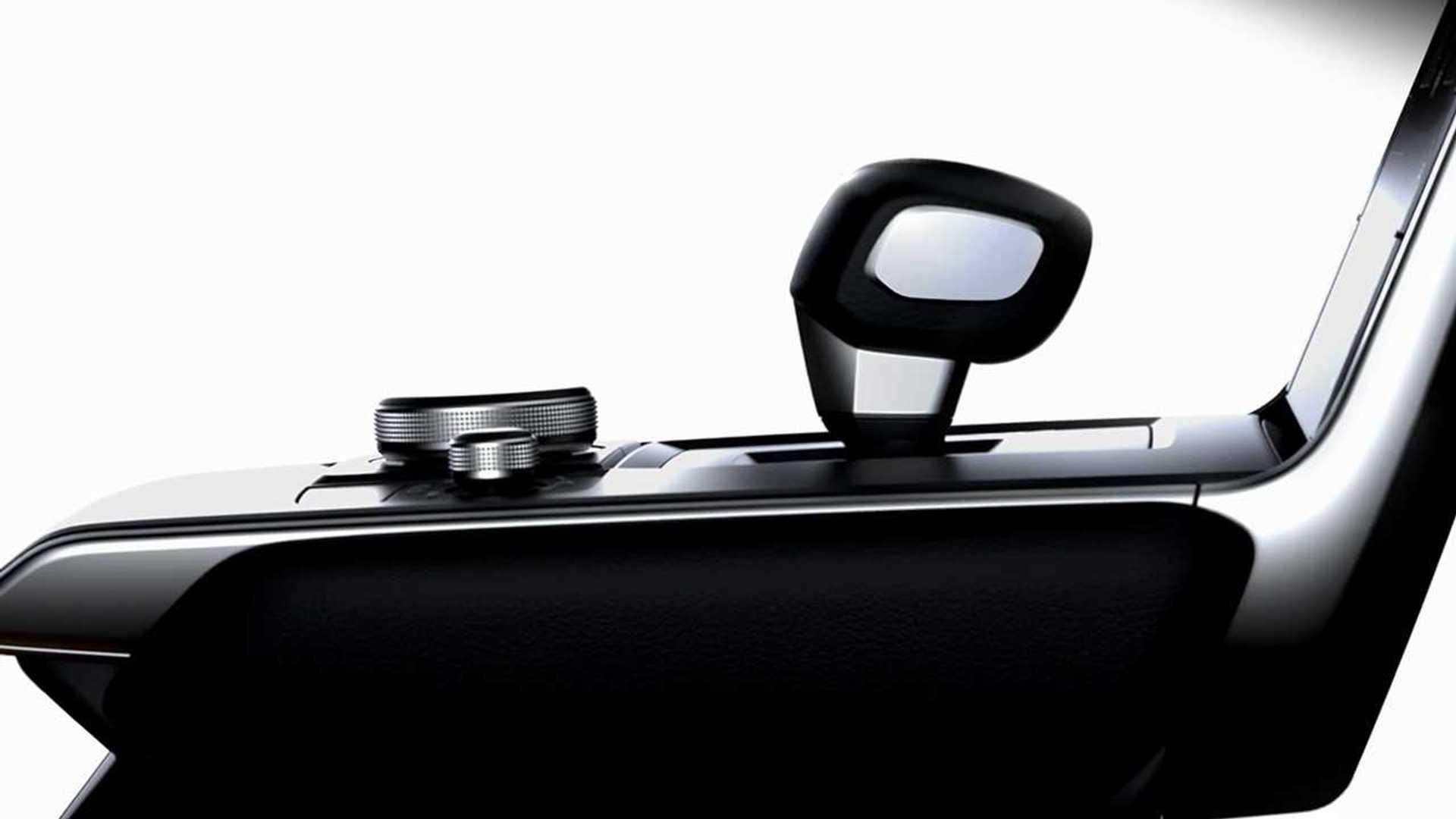 Mazda, ilk elektrikli aracının iç mekanını gösterdi