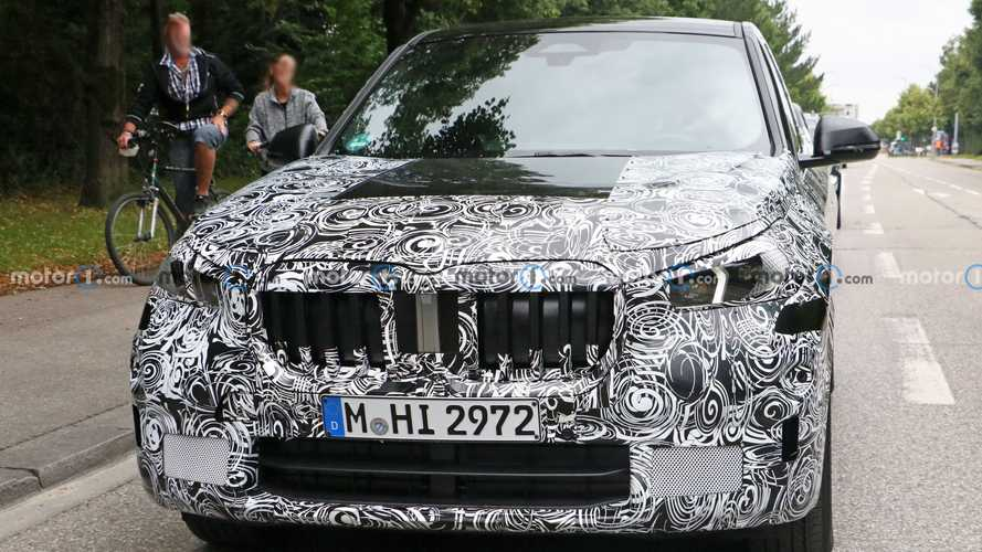 BMW X1 2022 - Novos flagras