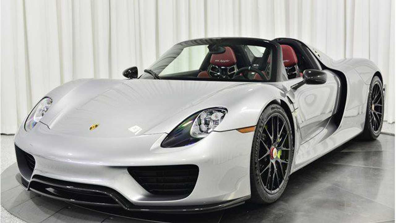 Porsche 918 Spyder Weissach Pack - 1.998.900 dollari
