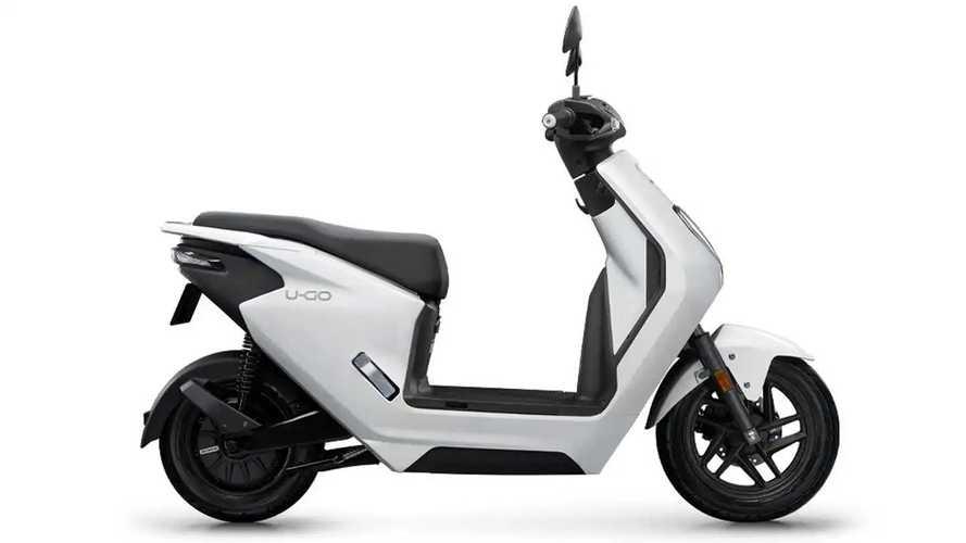 Scooter elétrico popular da Honda custa o equivalente a R$ 6.000