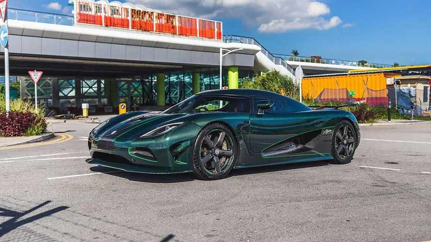 Questa Koenigsegg Agera S tutta in carbonio verde è pazzesca
