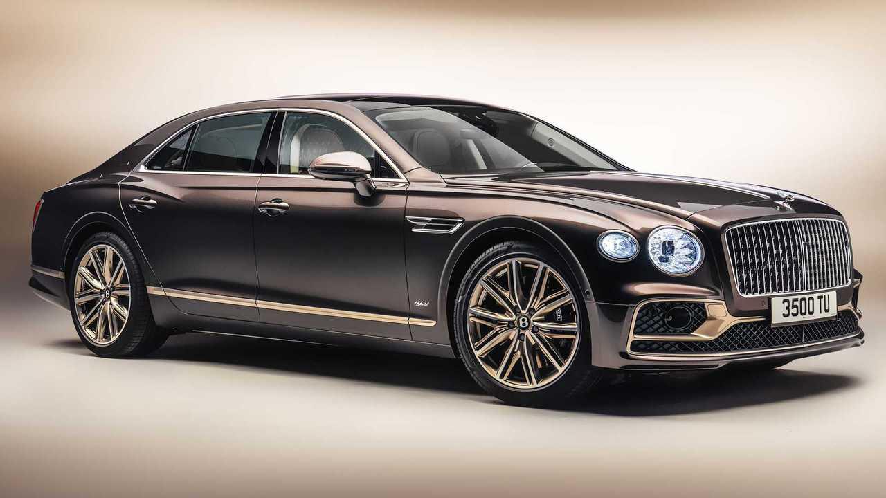 Bentley Flying Spur Hybrid Odyssean exterior corner