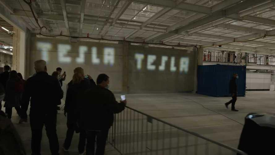 Watch Tesla Model Y's New Adaptive Headlight Demo