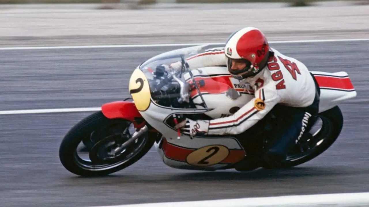 Aksi pembalap Yamaha di Grand Prix.