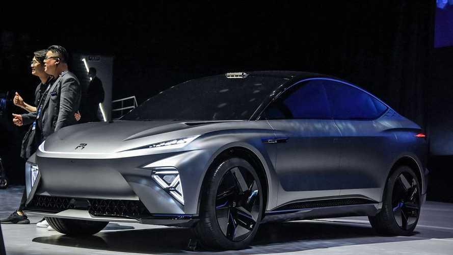 R Auto представит новый электрический кроссовер
