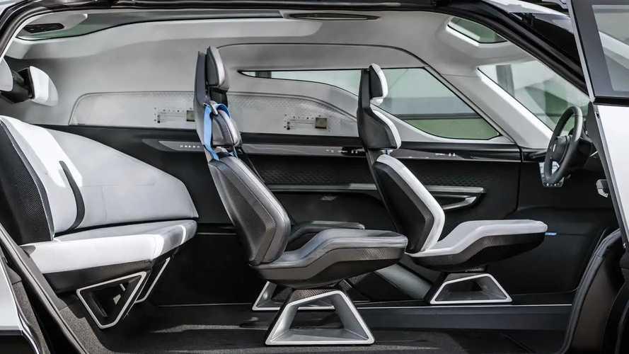 À l'intérieur du monospace Porsche à 6 places