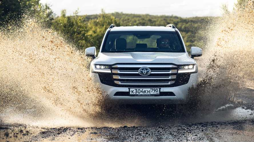 Test Drive Toyota Land Cruiser 2022: Off-roader Tangguh-Nyaman