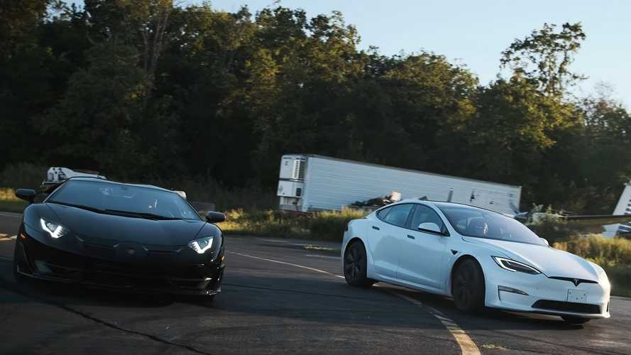 Tesla Model S Plaid smashes Lamborghini Aventador SVJ in drag race