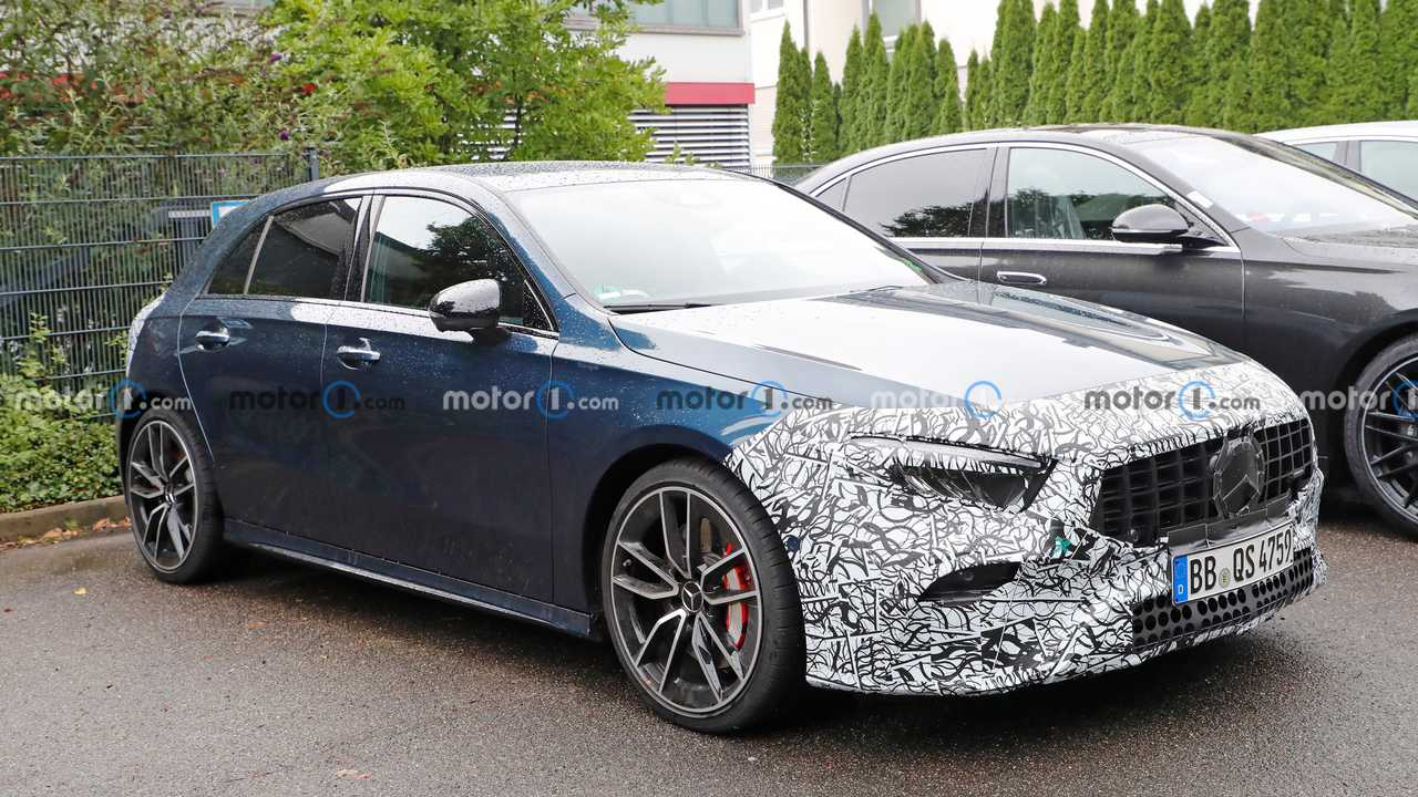 Mercedes-AMG A35 facelift spy photo