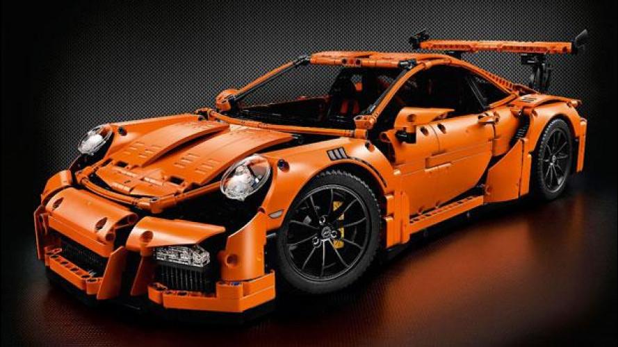 Porsche 911 GT3 RS, arriva quella di LEGO in 2.700 pezzi!