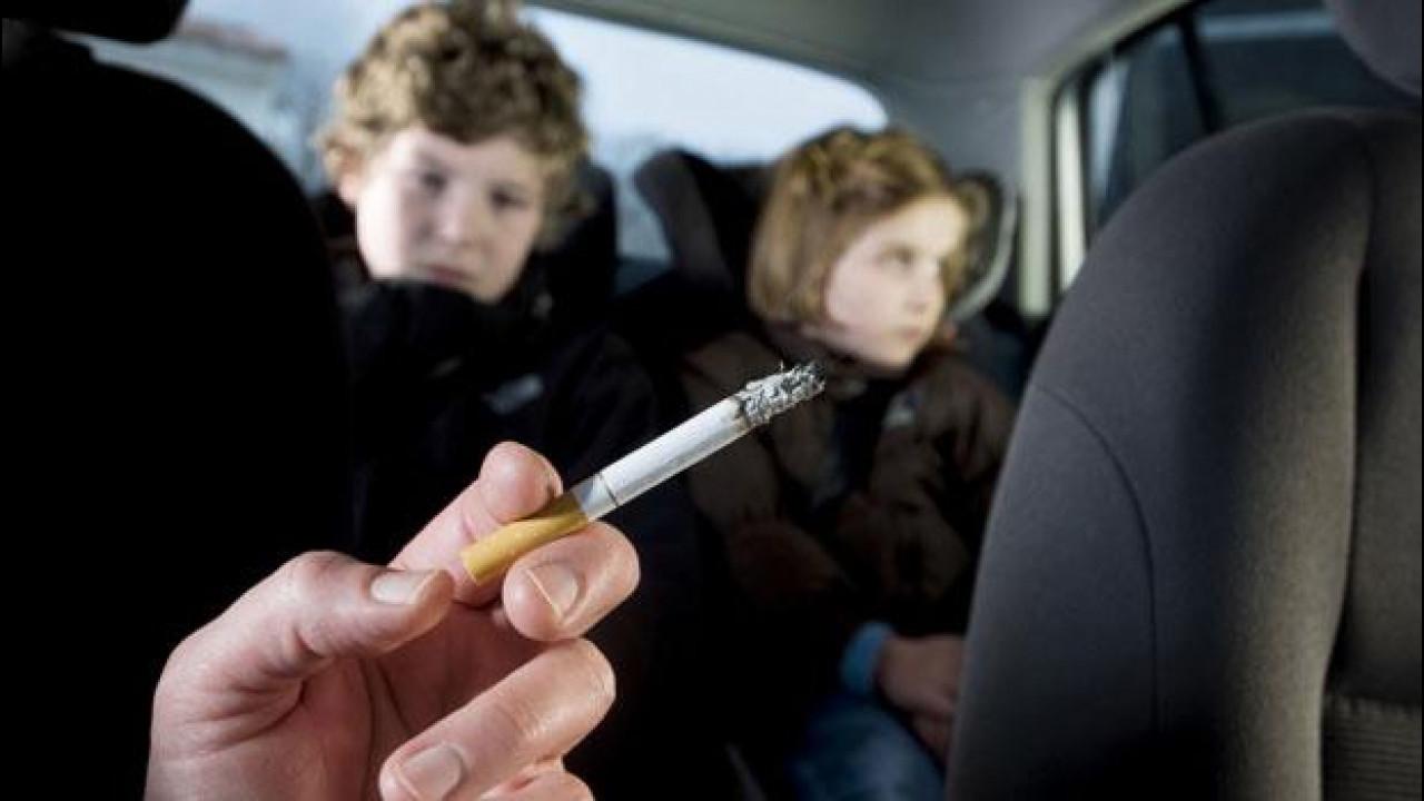 [Copertina] - Fumo in auto: vietato con bimbi e gestanti