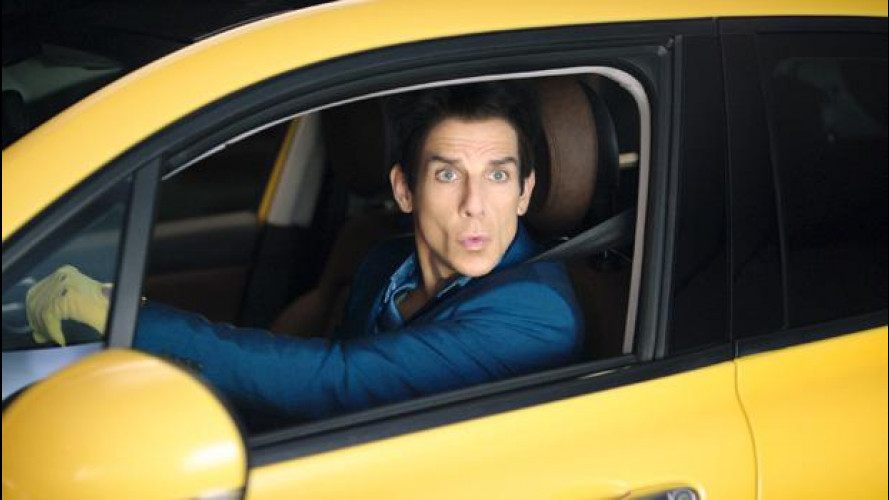 Zoolander 2, Derek posa con la Fiat 500X [VIDEO]