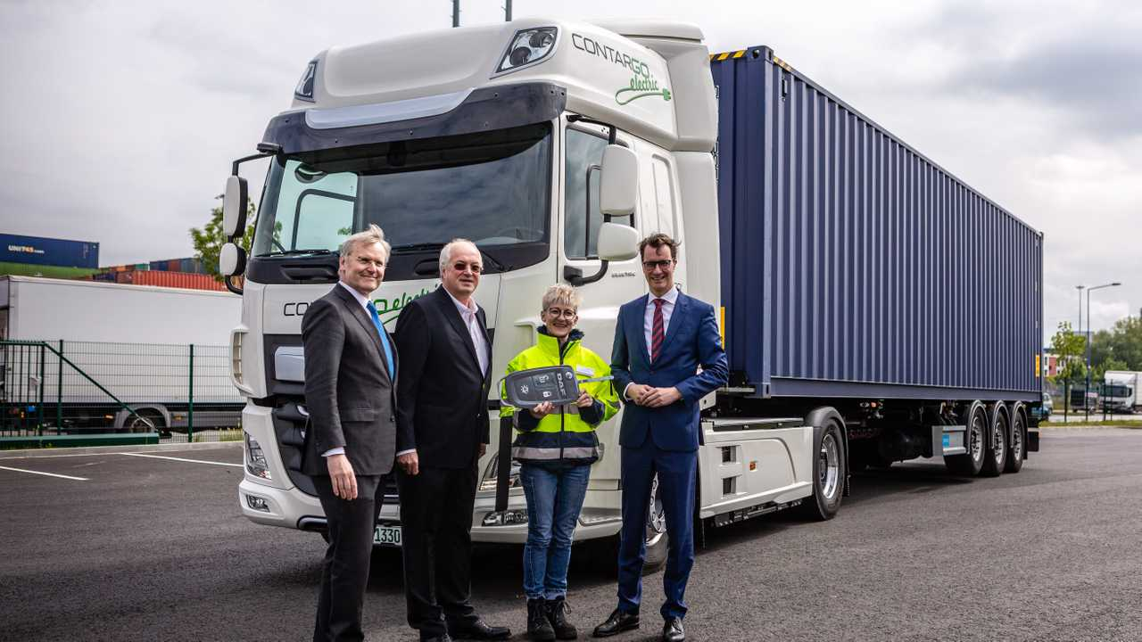 DAF CF Electric for Rhenus Logistics