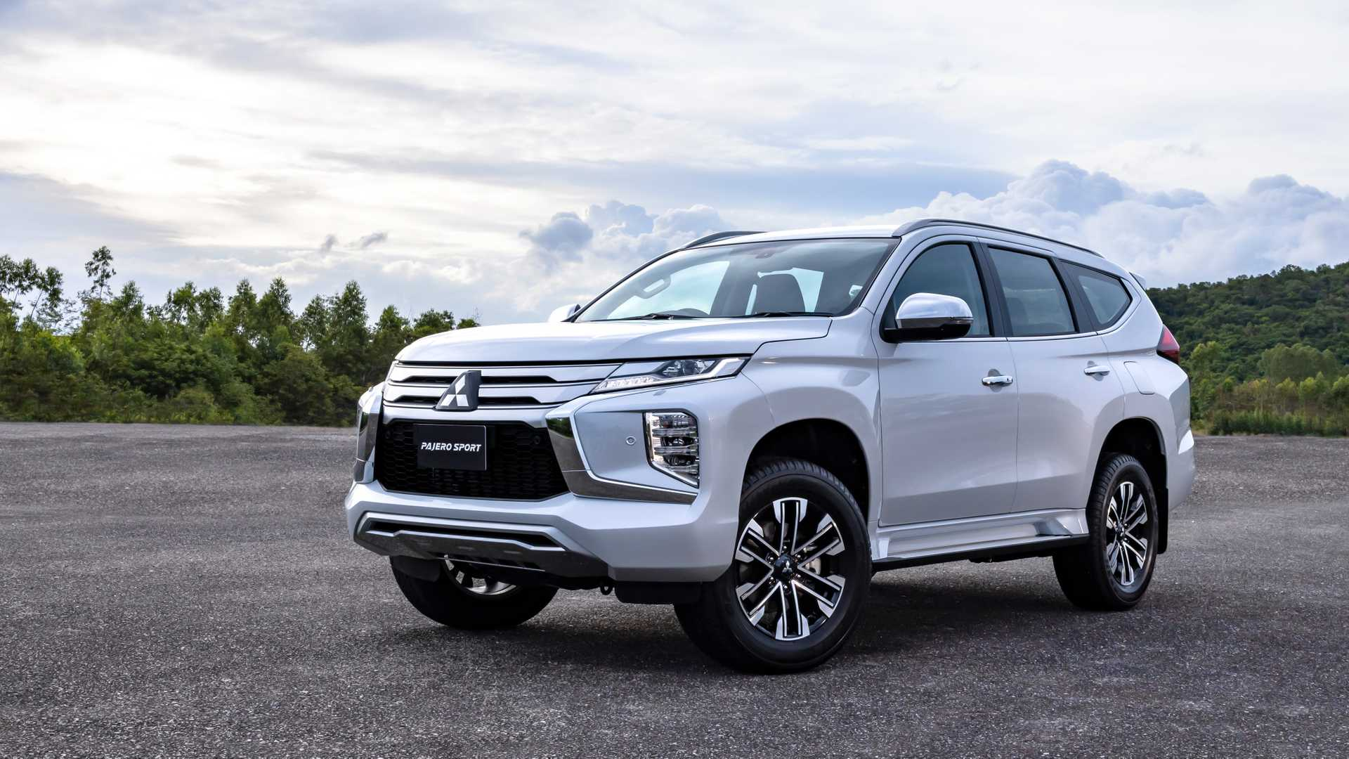 2020 Mitsubishi Montero Limited Price, Specs, Redesign, And Engines >> 2020 Mitsubishi Pajero Sport Gets Fresh Face Updated Interior