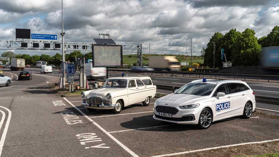 New Mondeo estate celebrates M1 anniversary