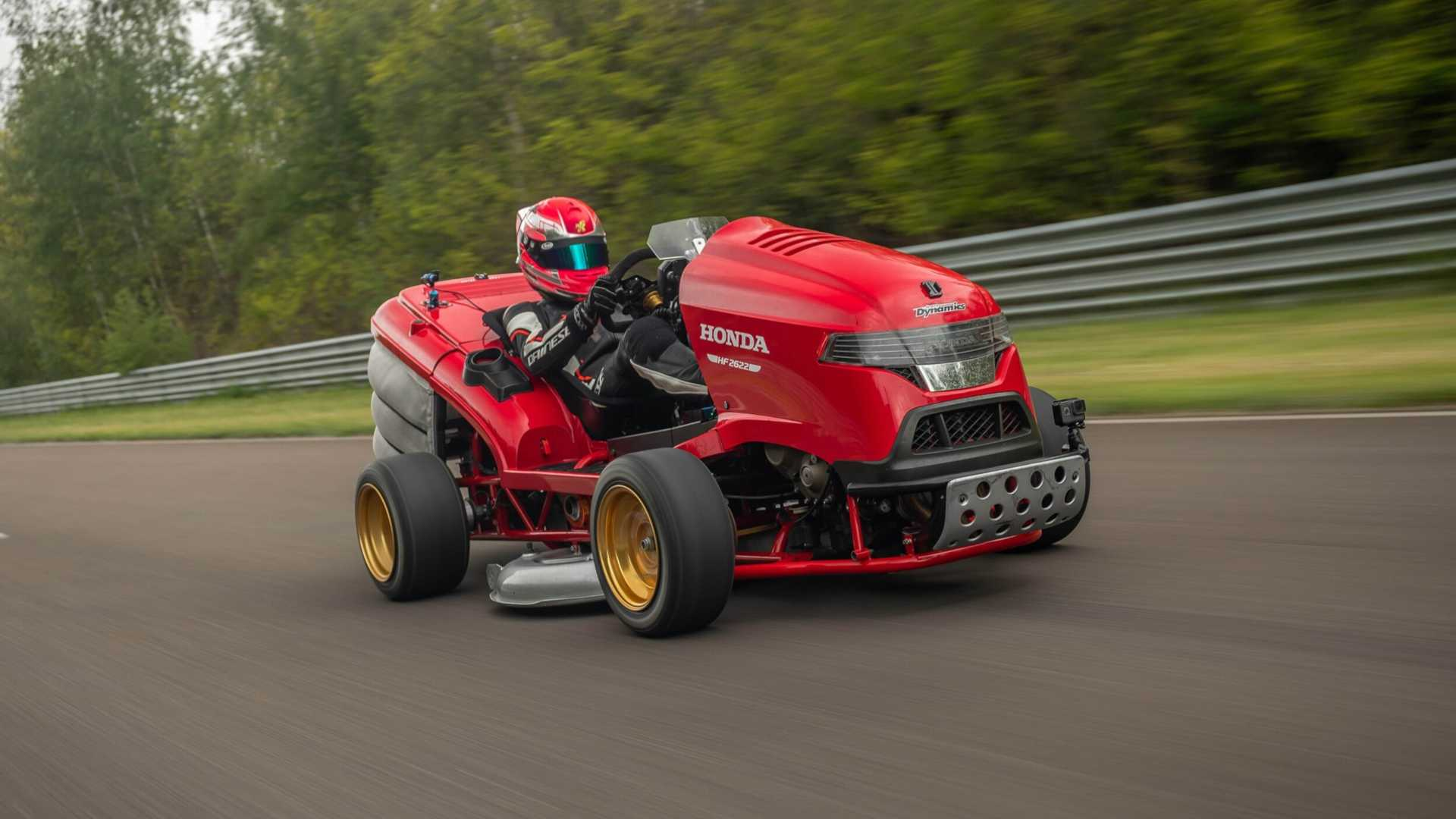 [Image: honda-mean-mower-racing-closeup.jpg]