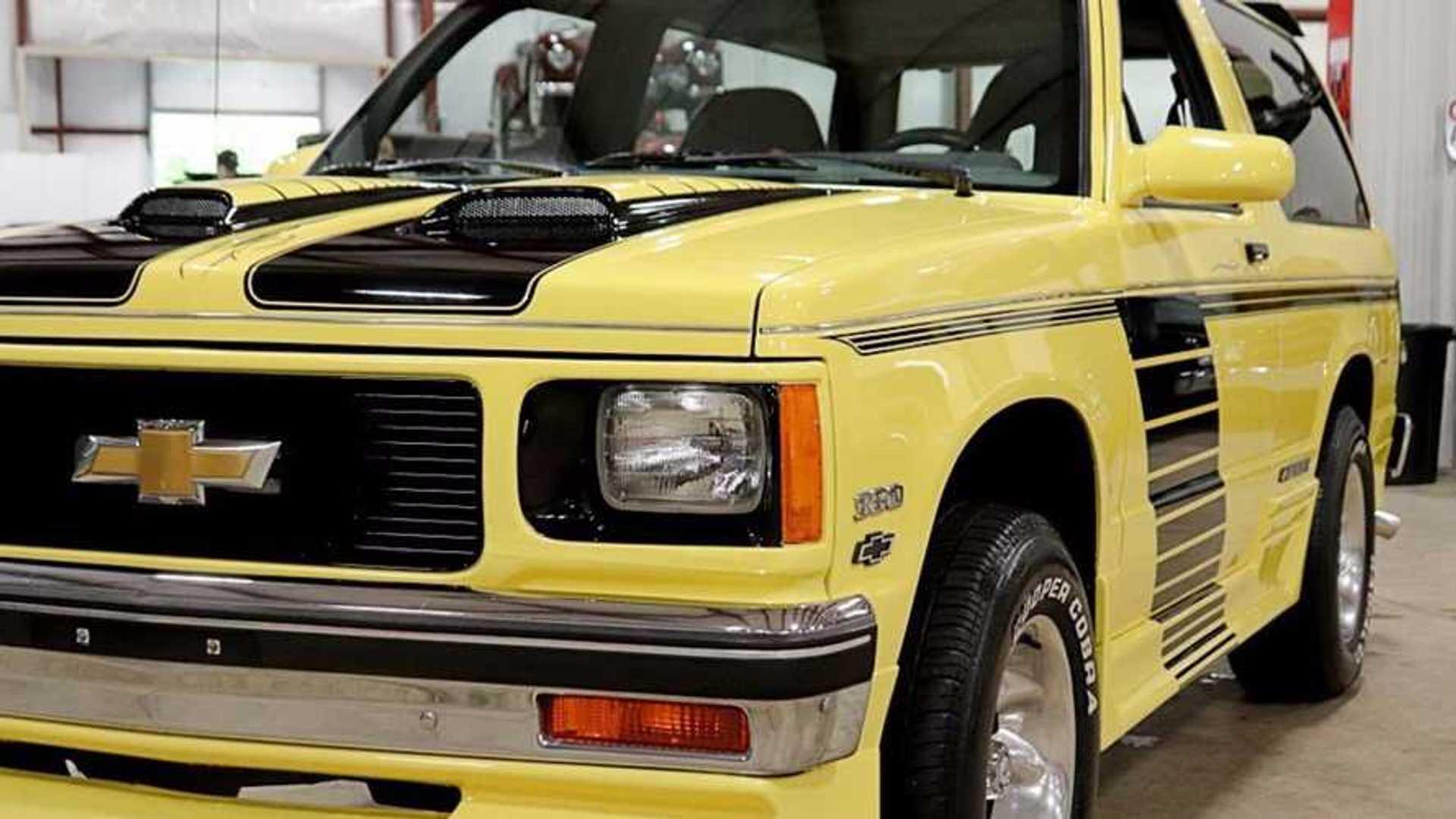 """[""""1987 Chevrolet S-10 Blazer""""]"""