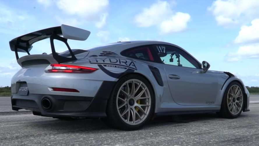 Watch a Porsche 911 GT2 RS go flat-out