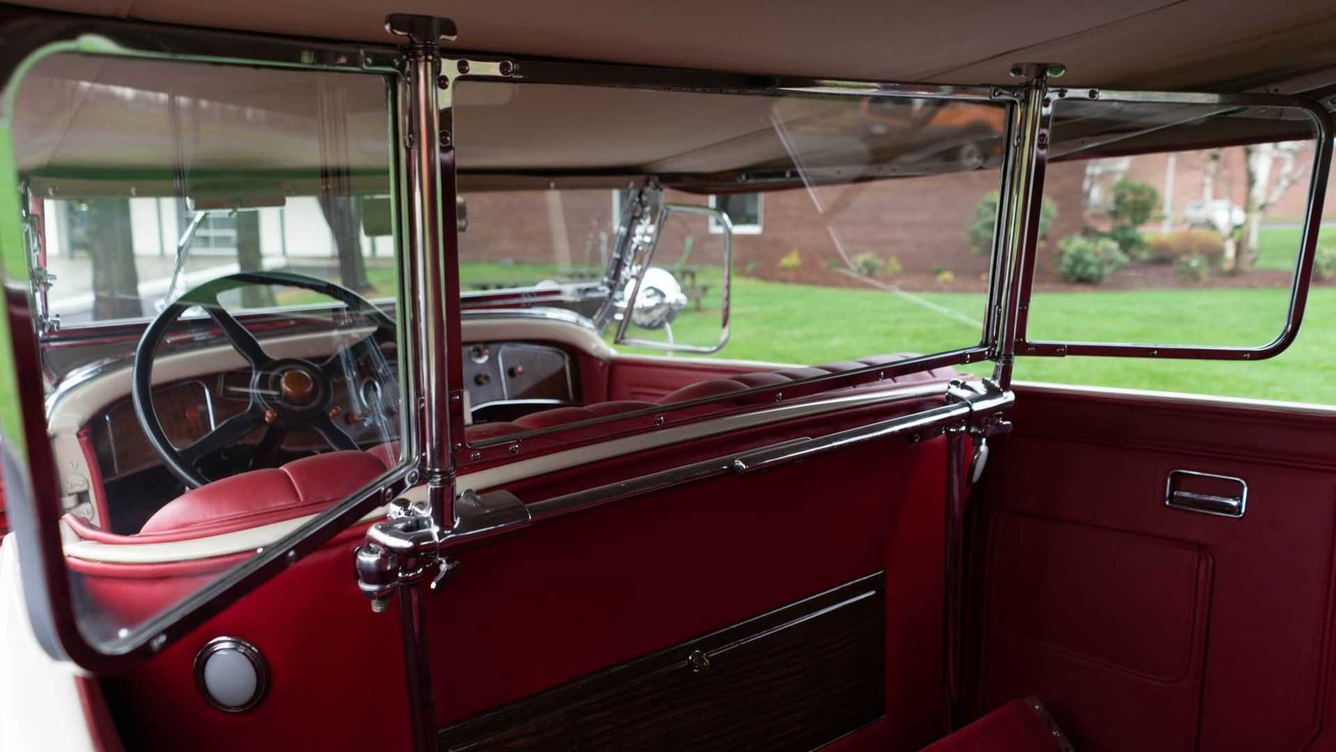 "[""Beautiful 1930 Packard 740 Super Eight Phaeton Hits The Market""]"