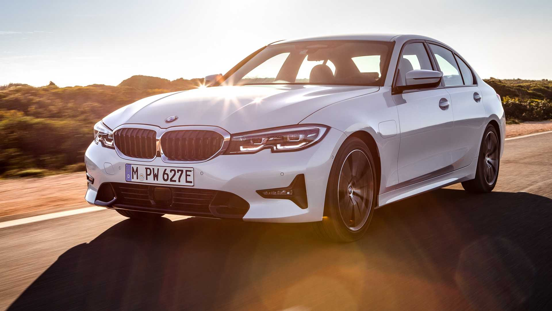 2020 Bmw 330e Plug In Hybrid Debuts With 292 Hp Xtraboost Power