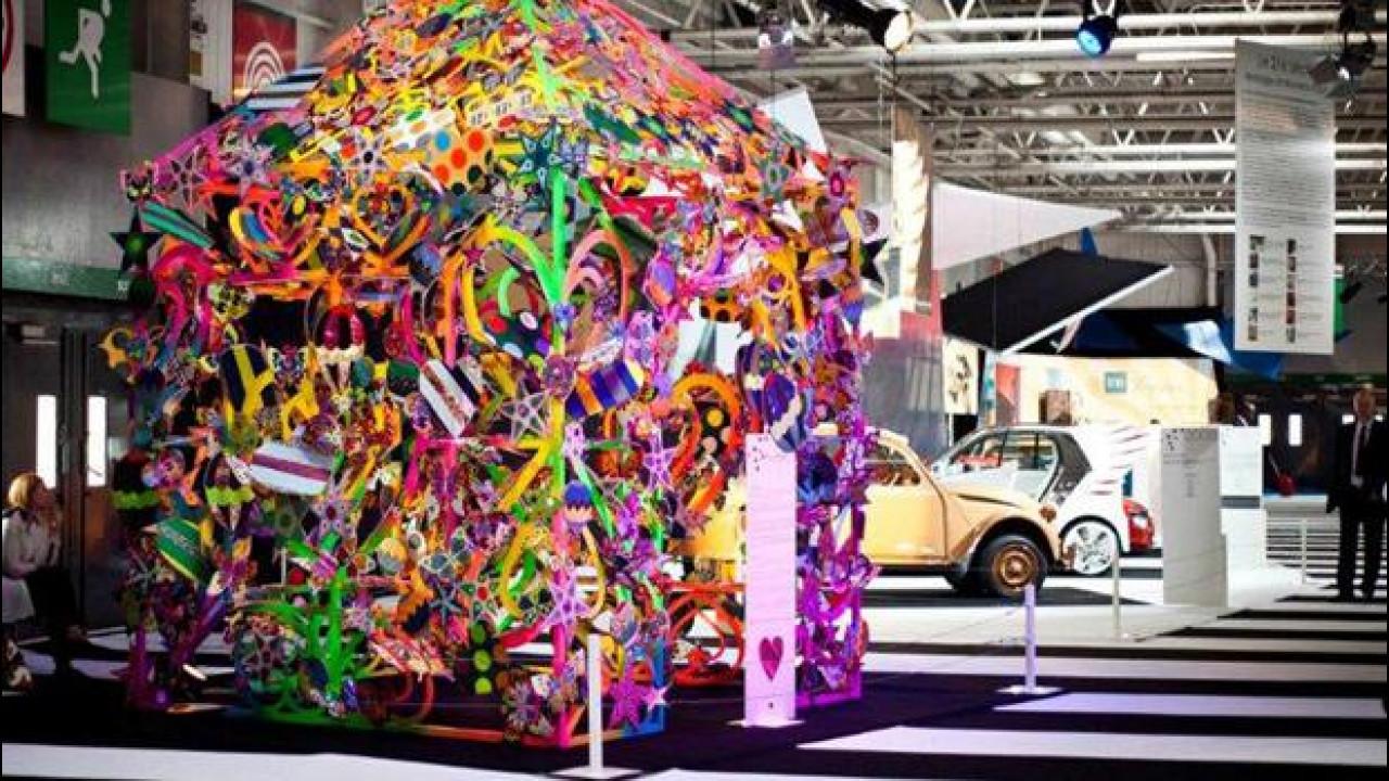 [Copertina] - Salone di Parigi, in mostra l'incontro tra auto e moda