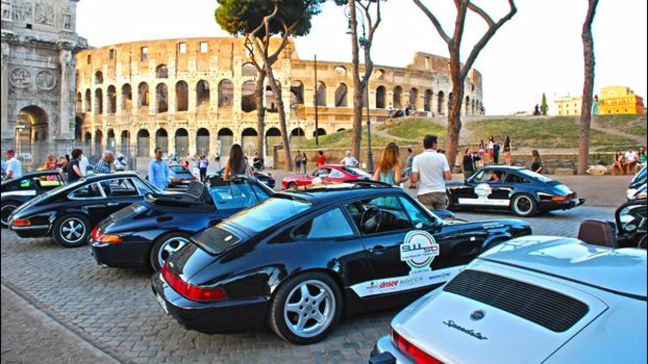 [Copertina] - 50 anni di Porsche 911 a Roma: festa all'ombra del Colosseo
