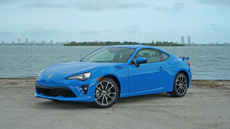 2019 Toyota 86: Pros and Cons