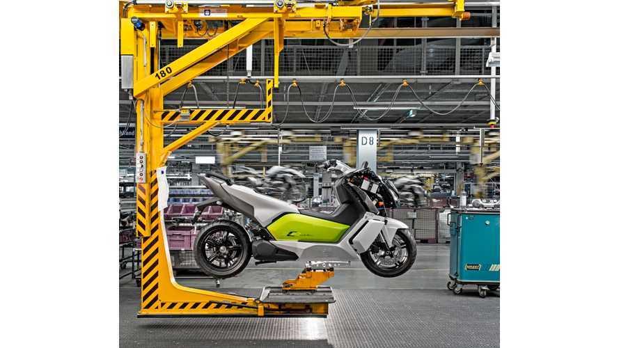 BMW C-Evolution Assembly - Videos