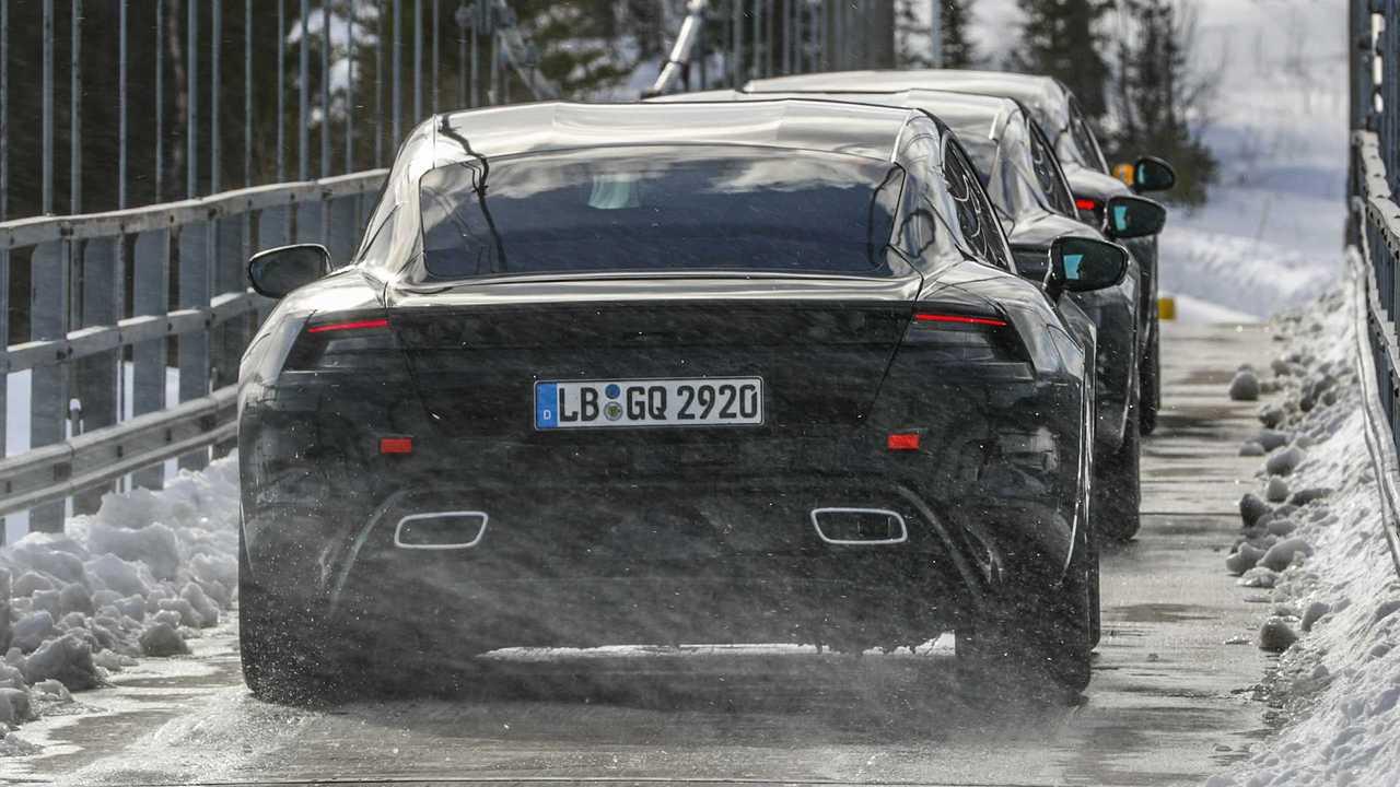 Porsche Taycan, i muletti