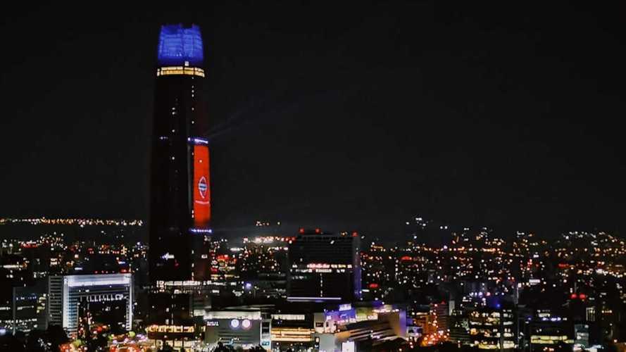 """Fórmula E: Nissan """"eletrifica"""" o maior arranha-céu da América do Sul"""