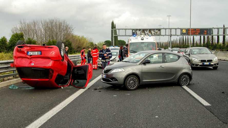 Incidenti stradali in calo nei primi 6 mesi dell'anno. Ma non basta