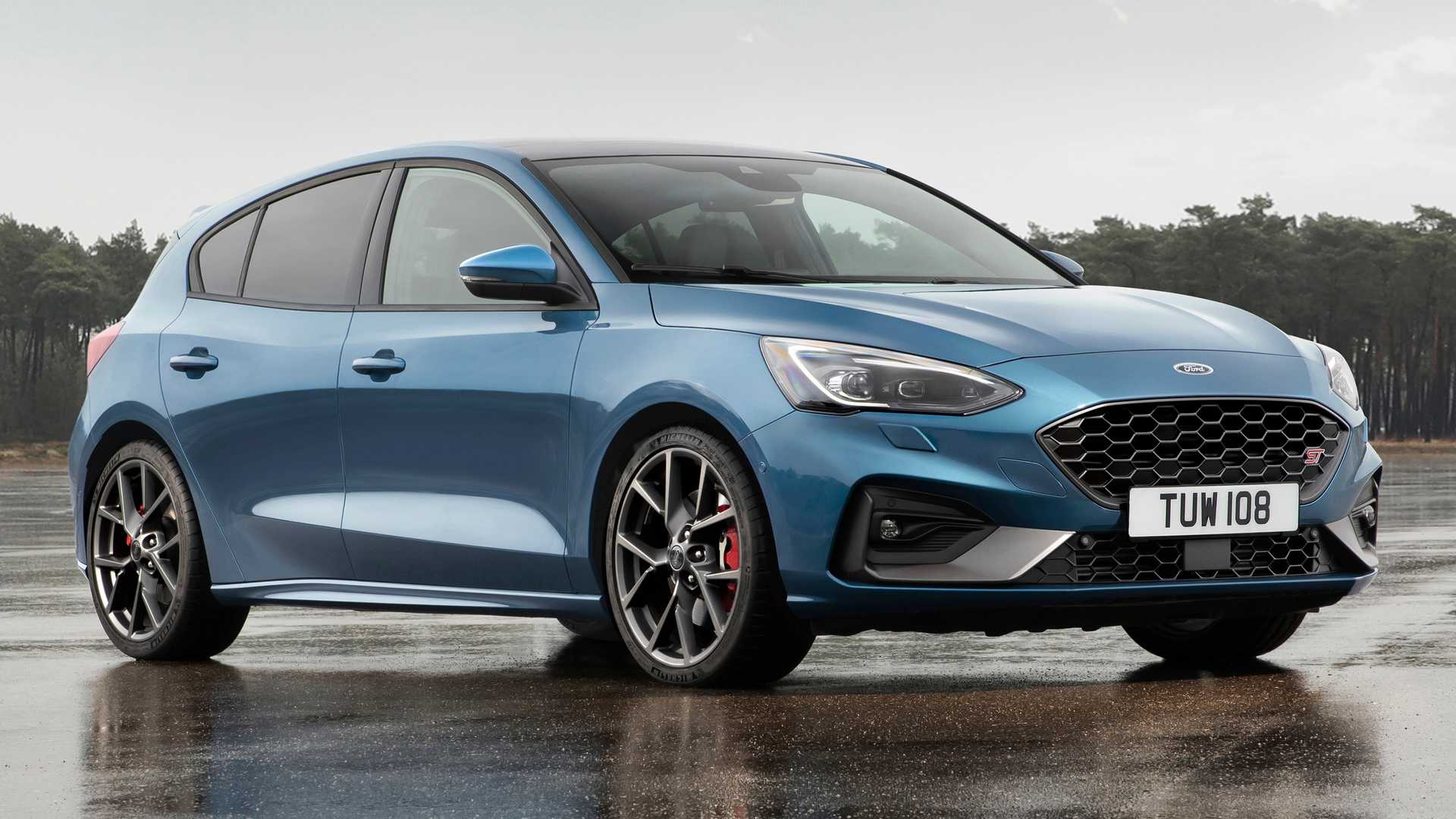 Ford Focus St Revealed With Powerful Gasoline Diesel Engines