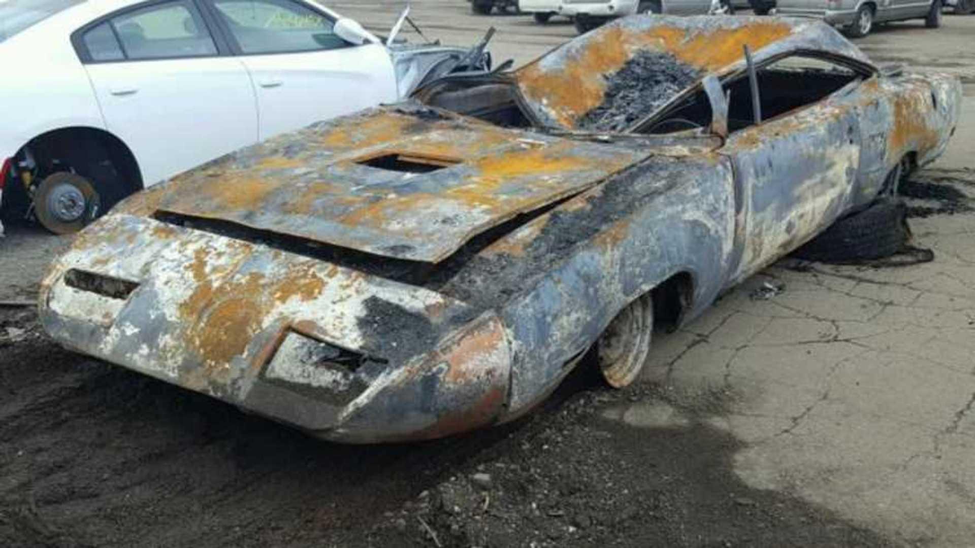 "[""Fire Damaged 1970 Road Runner Superbird Has $59K Valuation""]"