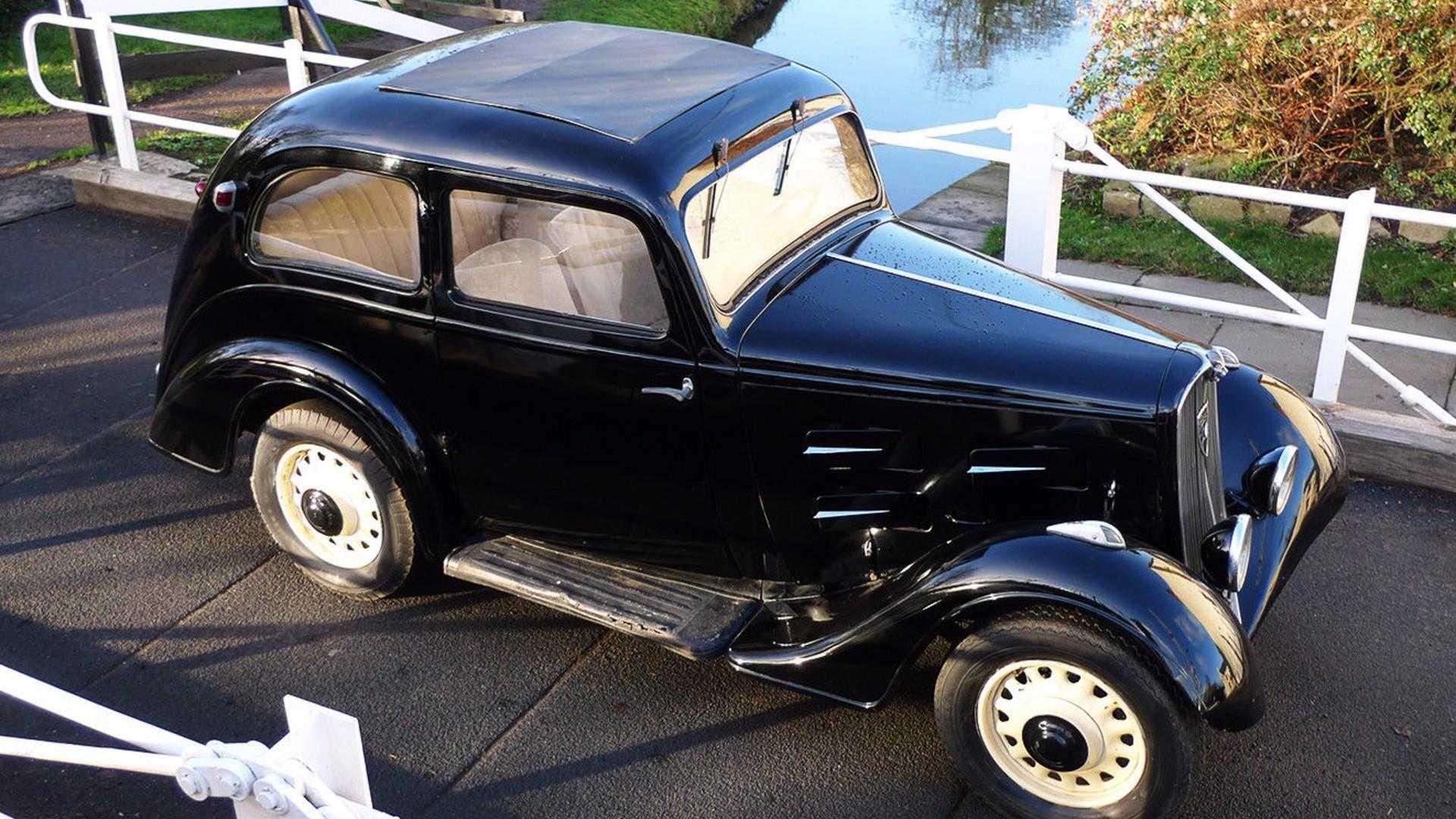 """[""""1934 Peugeot 201""""]"""