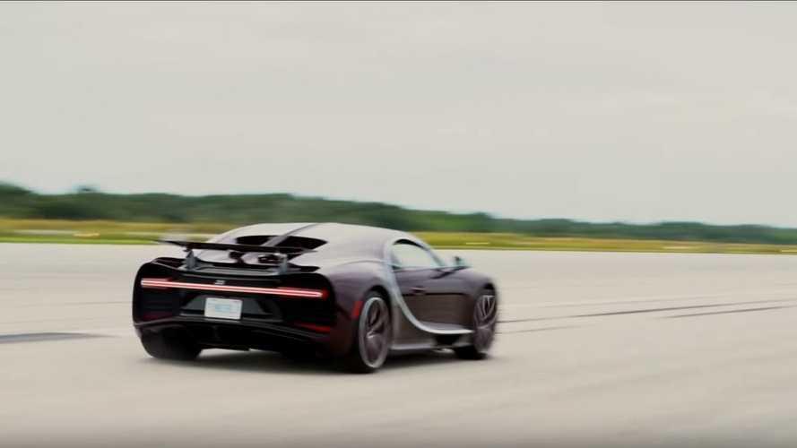 VIDÉO - La Bugatti Chiron lancée à 420 km/h !