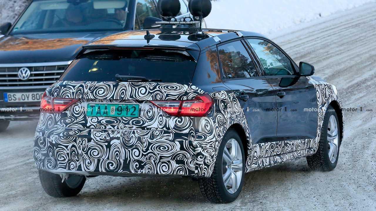 Audi A1 Allroad photo espion