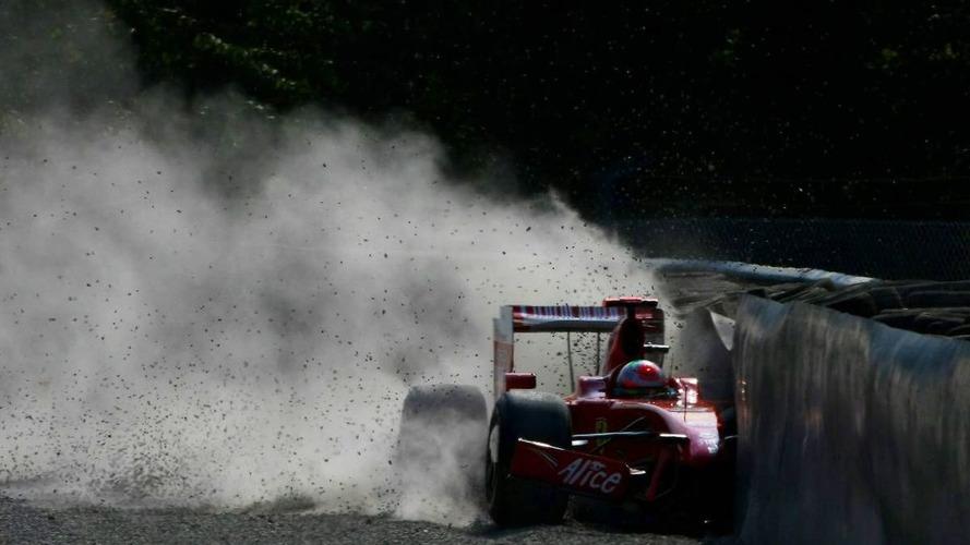 Fisichella crashes on Saturday morning