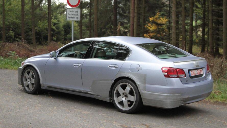 2012 next-gen Lexus GS spy pics