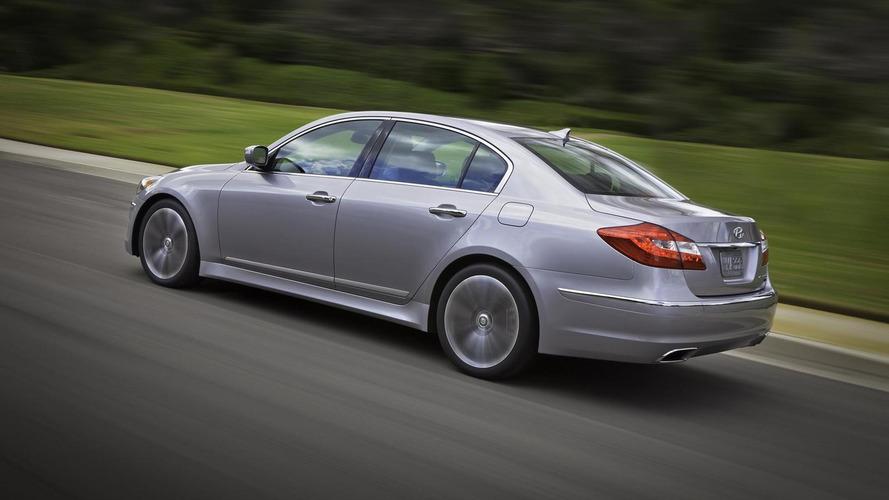 2012 Hyundai Genesis facelift graces Chi-town