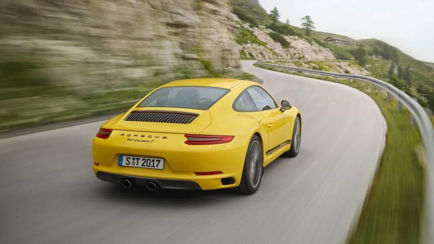 Porsche, yeni 911'de Carrera T'yi sunmaya devam edecek