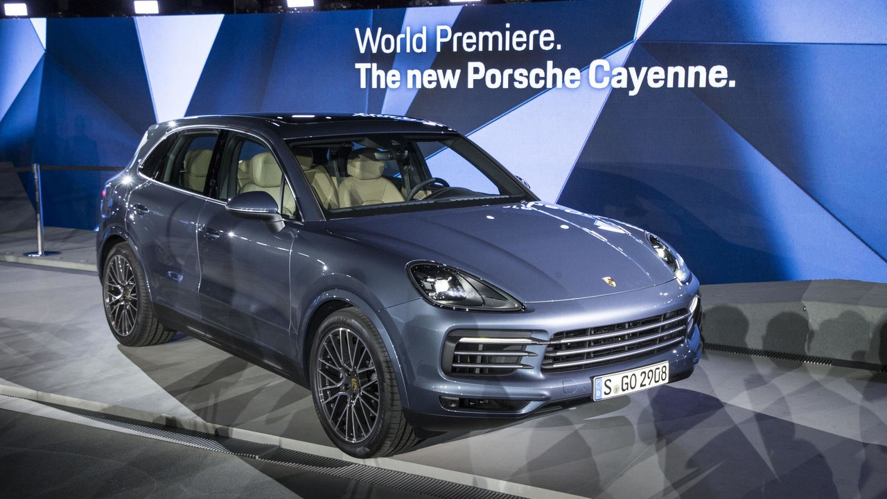 2019 Porsche Cayenne Debuts Sleeker Look Sheds Weight
