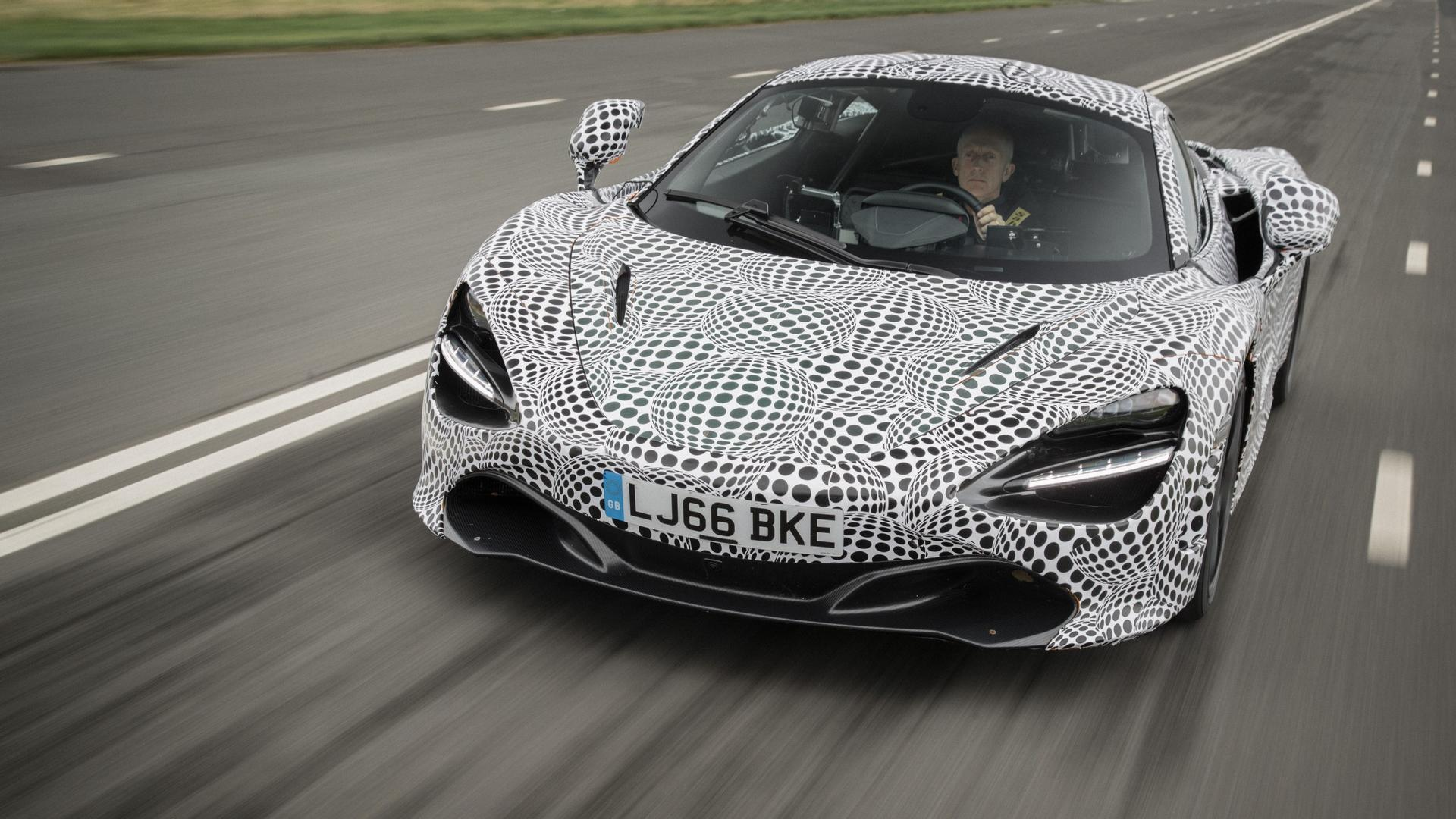 foto McLaren Confirms Its Fastest Three-Seater Road Car Ever