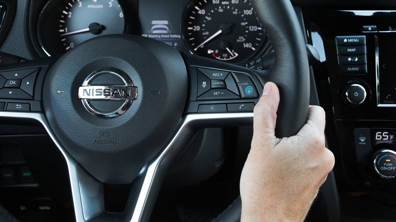 2018 Nissan Rogue Is First U S  Model With ProPilot Assist