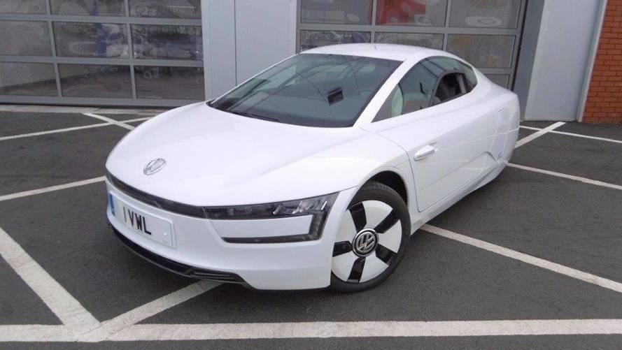 Nadir bulunan VW XL1 yolda görüntülendi