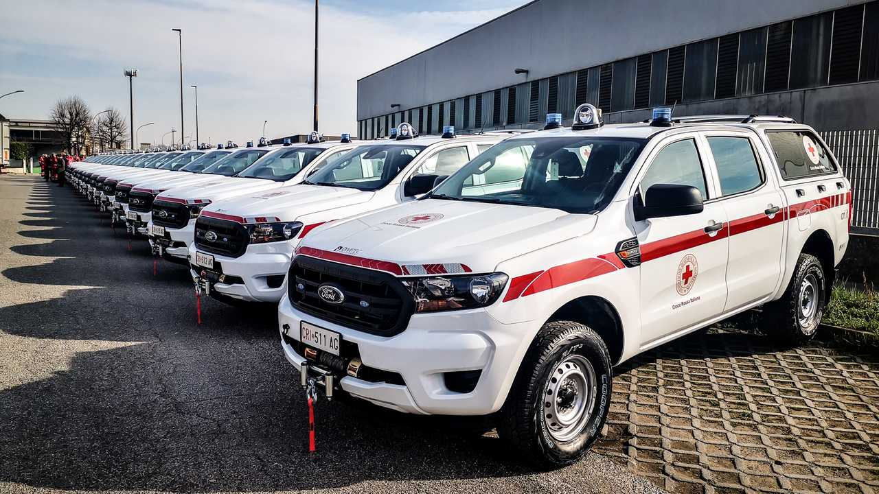 Copertina Guidare per la Croce Rossa