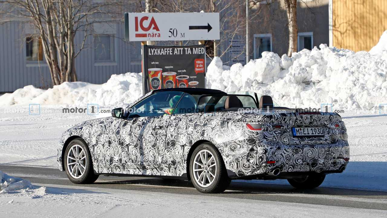 2021 BMW 4 Series Convertible spied with the top down ...