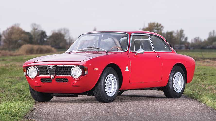 Alfa Romeo Giulia GTA, ripasso di storia con la mamma delle Alfa sportive