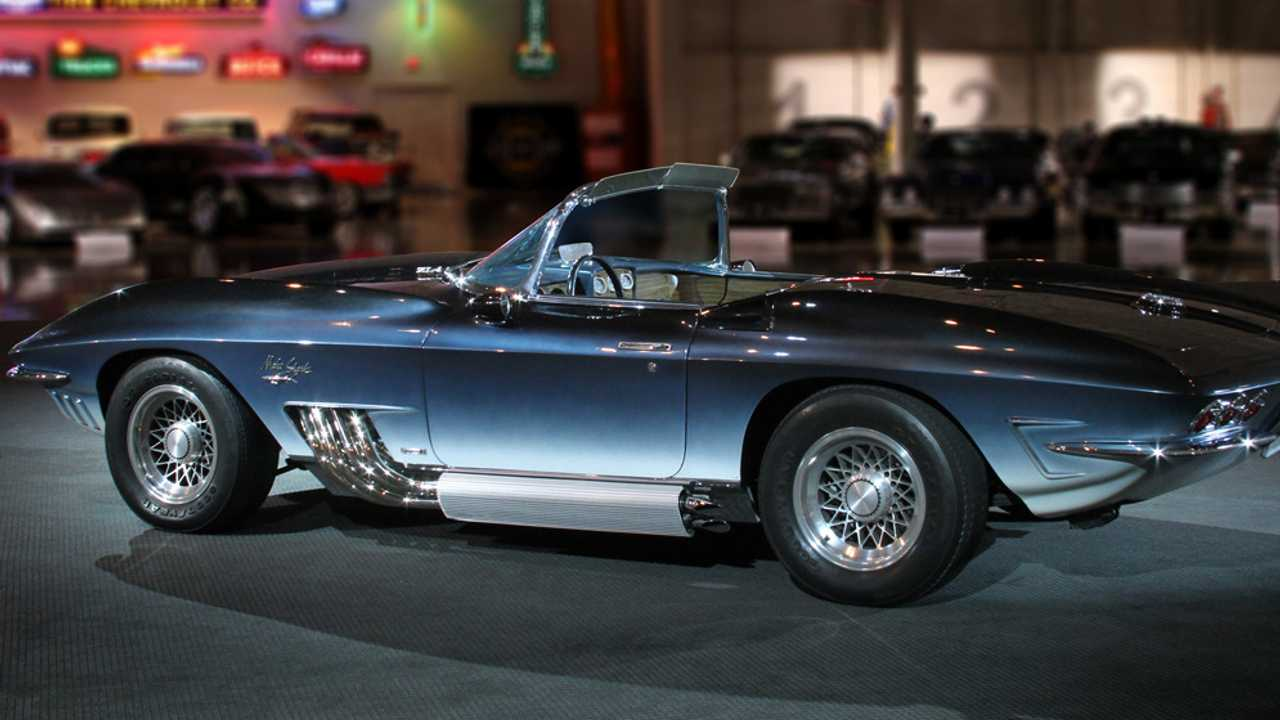 Learn About The 1961 Chevy Corvette Mako Shark Concept