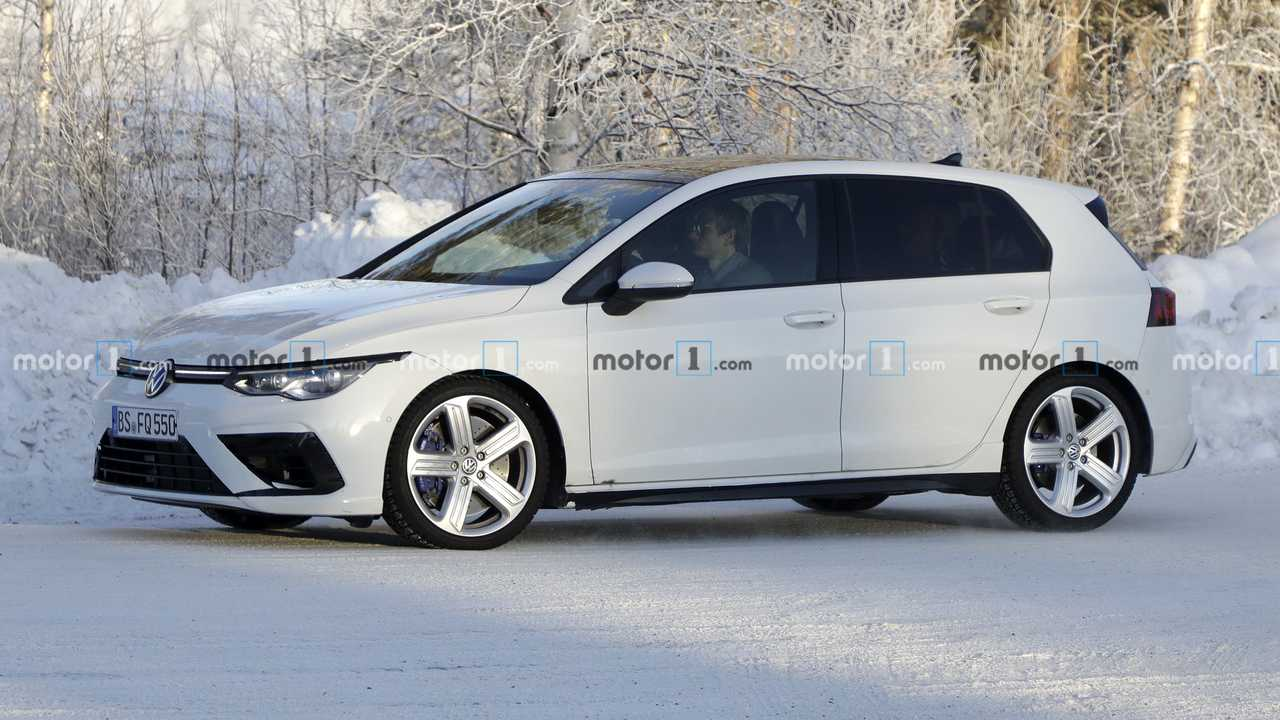 2021 VW Golf R Spy Photo