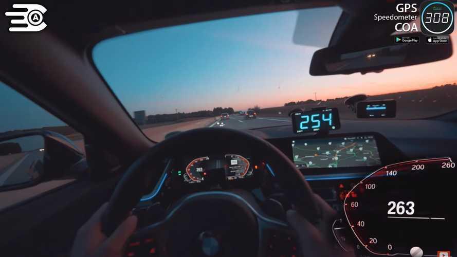 BMW Z4 otobanda yeni 5 Serisi prototipi kovalıyor